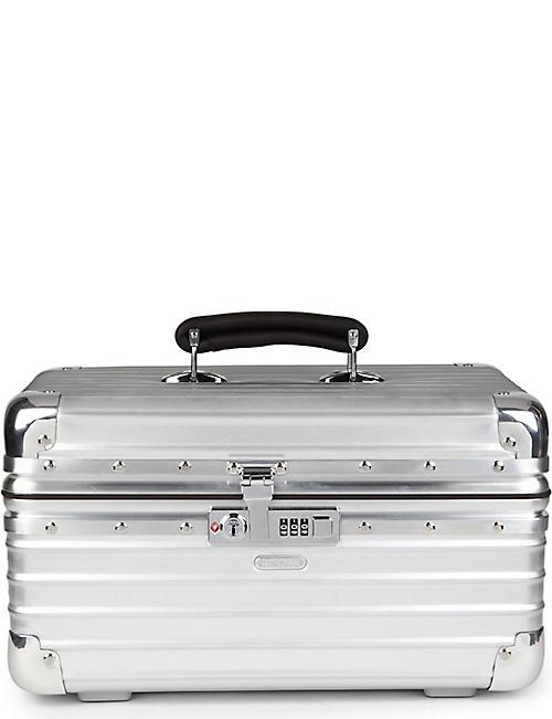 ad4820919db2 ... bag.  32.50. RIMOWA Classic Flight beauty case 39cm