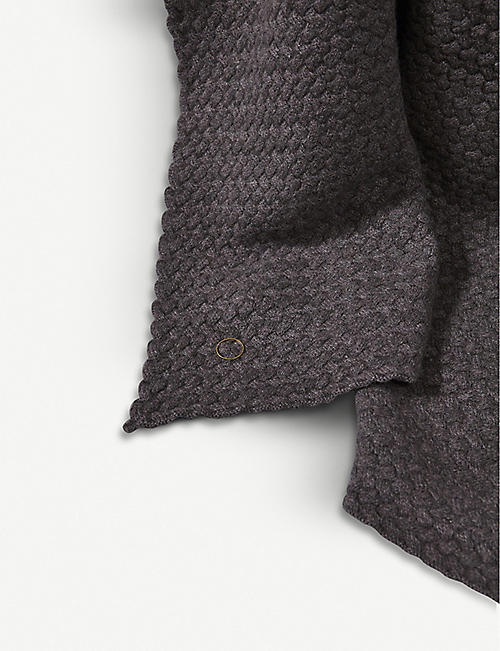 OYUNA Scala patterned cashmere throw