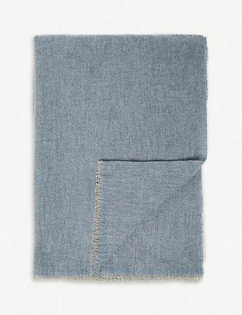 OYUNA Teva two-tone cashmere-blend throw 190x145cm