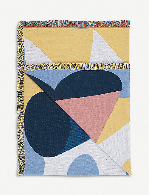 SLOW DOWN STUDIO December cotton throw 137x178cm