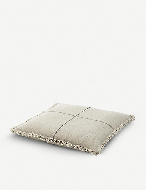 TEIXIDORS: Thor ecological merino wool floor cushion