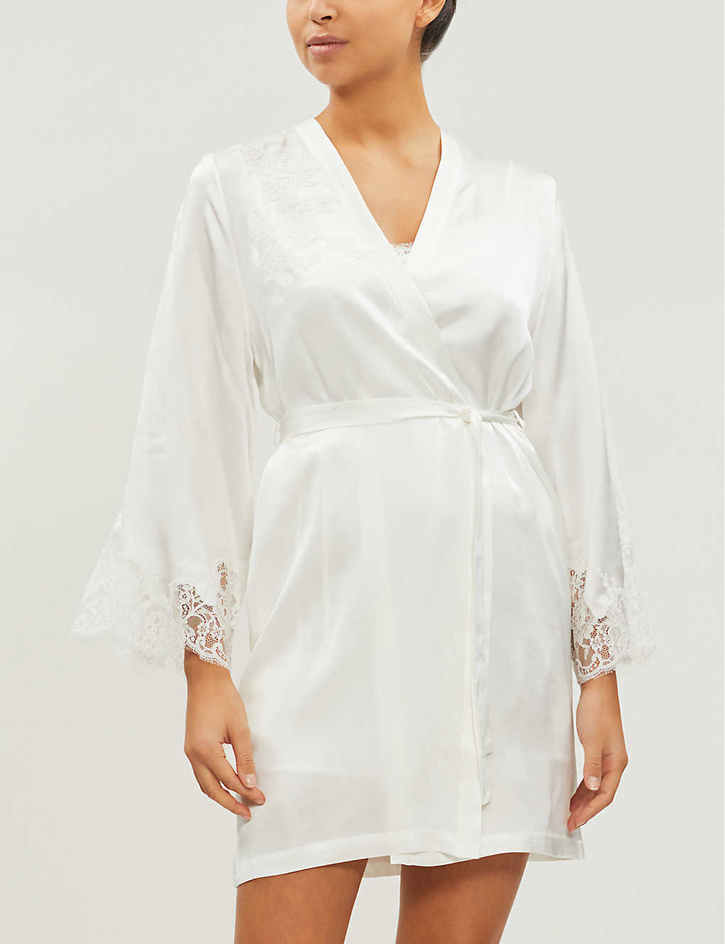 MARJOLAINE: Gemma lace-trim silk-satin robe