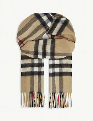 BURBERRY: Giant check cashmere scarf