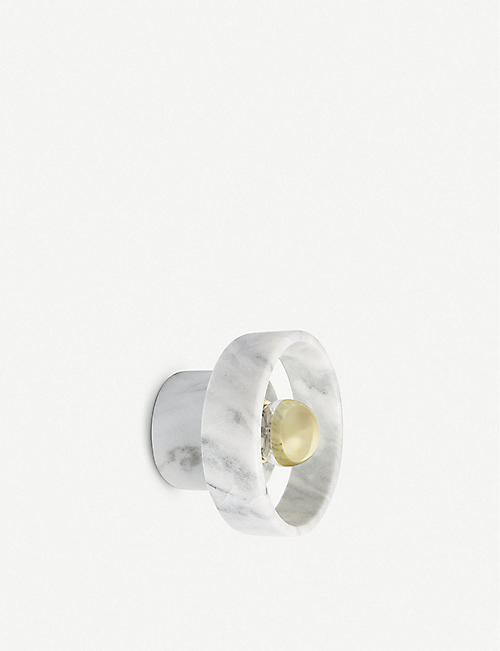 TOM DIXON: Stone wall light 18cm