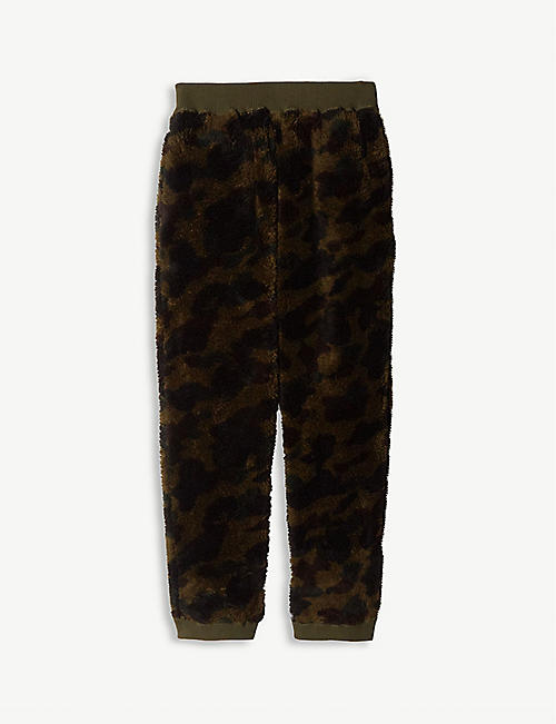 A BATHING APE Camouflage-print fleece jogging bottoms 4-8 years