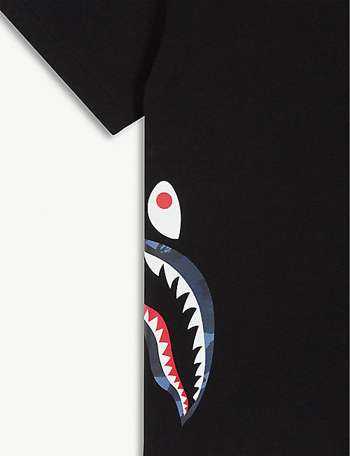 A BATHING APE Shark print sides cotton T-shirt 4-8 years