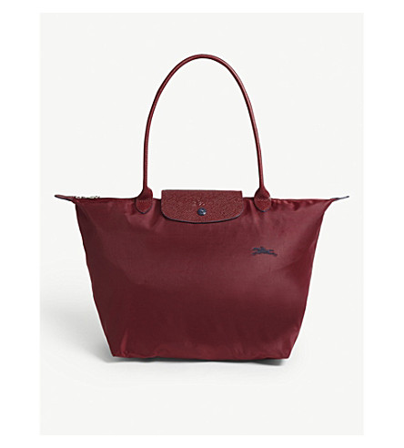 085085de0526 ... LONGCHAMP Le pliage club large shoulder bag (Gamet+red. PreviousNext
