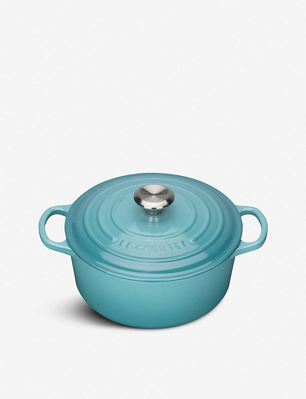 LE CREUSET: Signature cast iron casserole dish 24cm