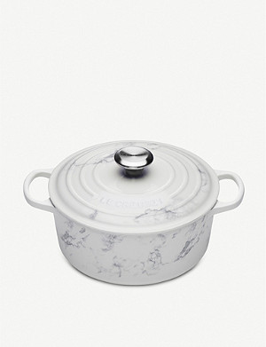 LE CREUSET Marble decal cast iron round casserole dish 24cm