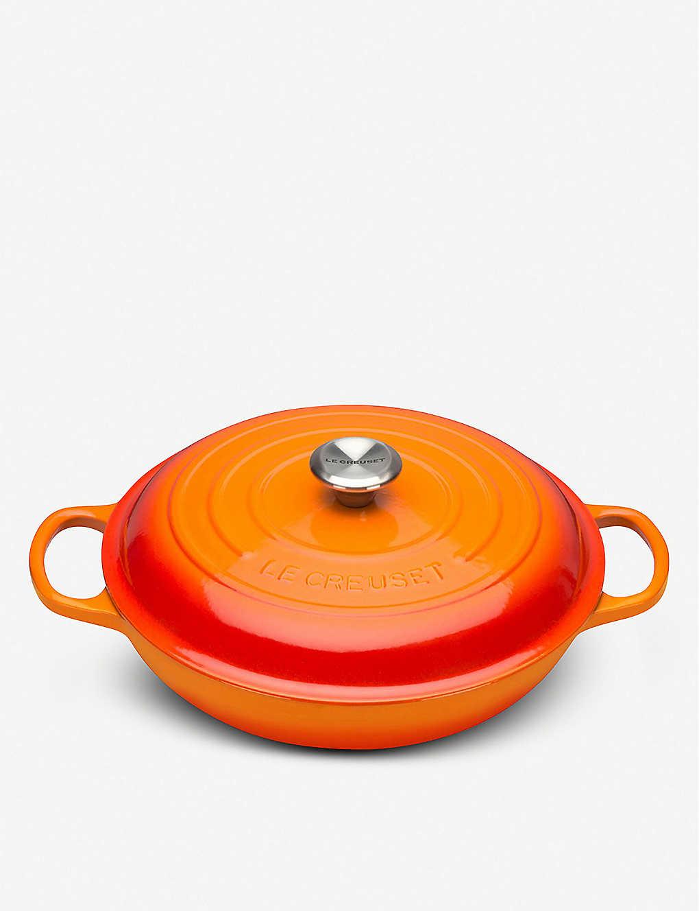 LE CREUSET: Signature cast iron casserole dish 26cm