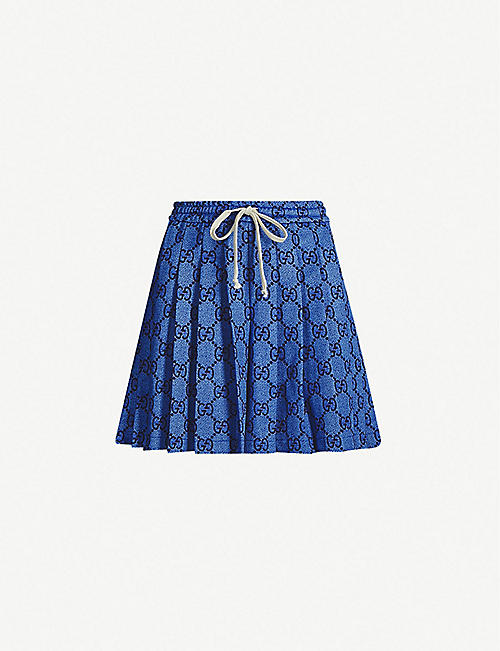 0c6c171bbbd GUCCI Brand-print pleated polyester-and-cotton blend shorts