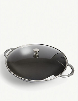 STAUB: Perfect Pan cast iron wok