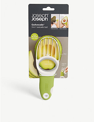 JOSEPH JOSEPH: GoAvocado three-in-one tool