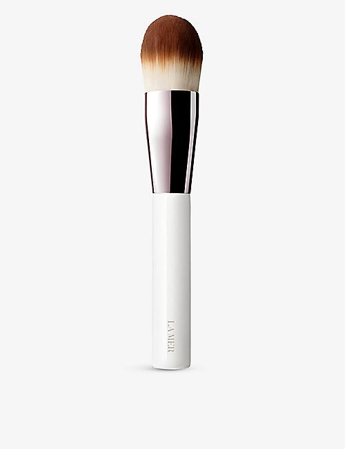 LA MER: The Foundation Brush
