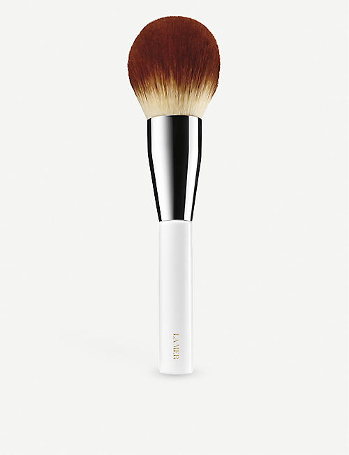 LA MER: The Powder Brush