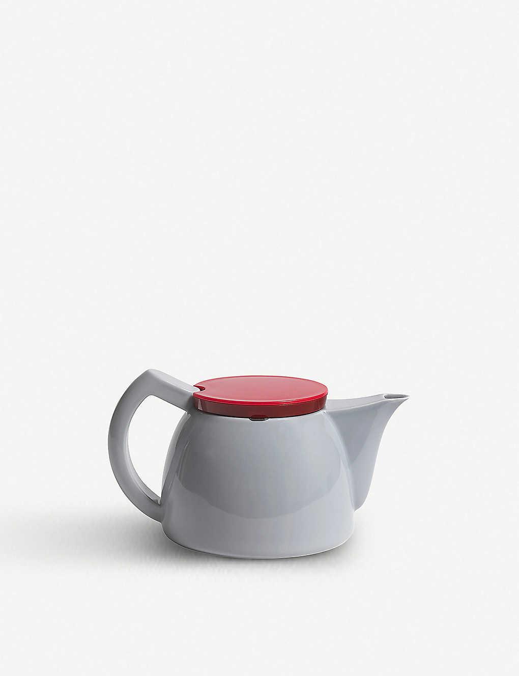 d9ee71ae8d04 HAY - Porcelain teapot