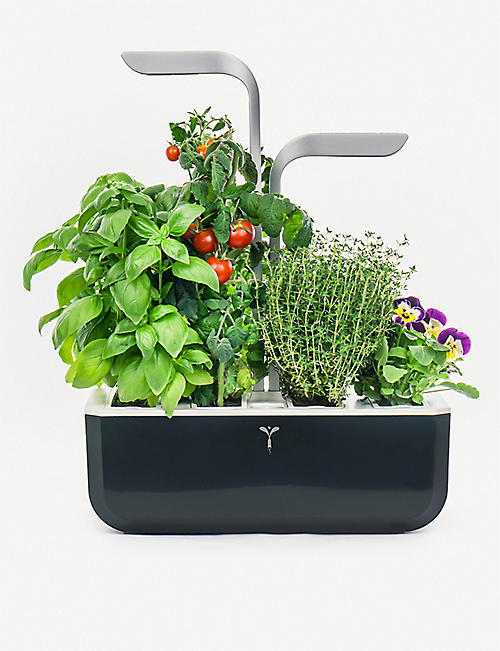 VERITABLE: Smart Garden indoor planter