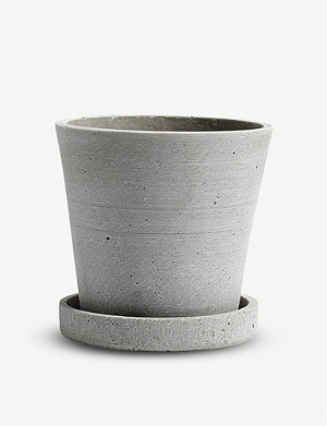 HAY Small polystone flower pot with saucer 10.5cm