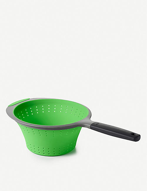 OXO GOOD GRIPS Silicone collapsible colander 1.9l