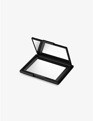 NARS: Light Reflecting Pressed Setting Powder