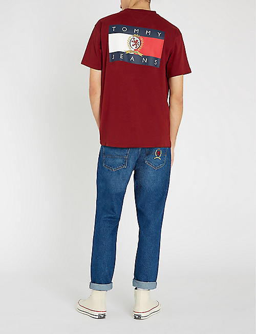 TOMMY JEANS Crest flag classic-fit tapered jeans