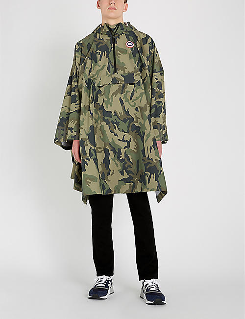 ac17113f0fc58 CANADA GOOSE Camouflage reflective-panel shell poncho