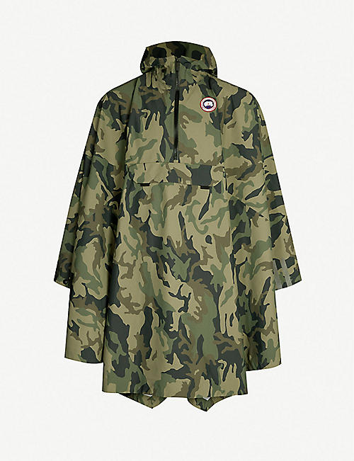 CANADA GOOSE Camouflage reflective-panel shell poncho 3ab05010bb7e