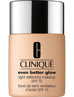 CLINIQUE Even Better Glow Light Reflecting Makeup SPF 15 30ml