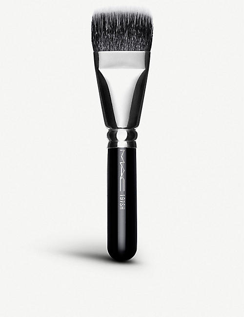MAC: 197 SH Duo Fibre Square Brush
