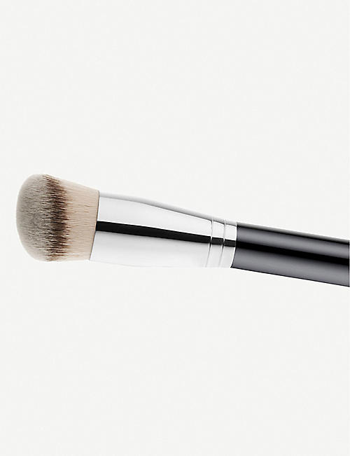 MAC 170 Rounded Slant Brush