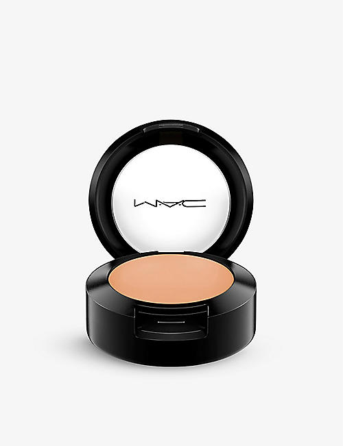 MAC: Studio Finish Concealer SPF 35
