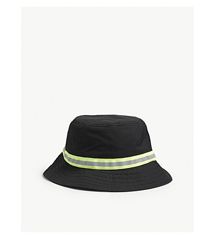 STUSSY - Nylon bucket hat  8544a6b4cd2