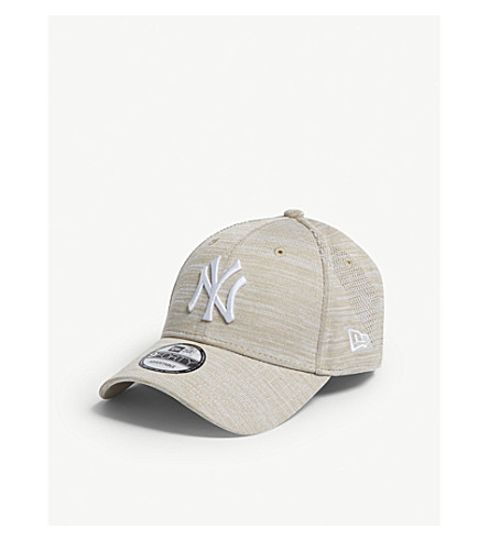 2205aeeb8d31a NEW ERA 9FORTY New York Yankees strapback cap (Stone+optic+white