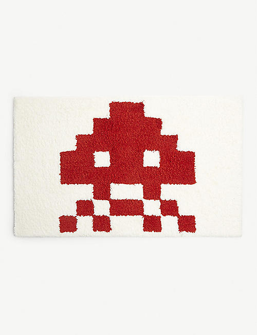 FABRICK Space Invaders woven rug