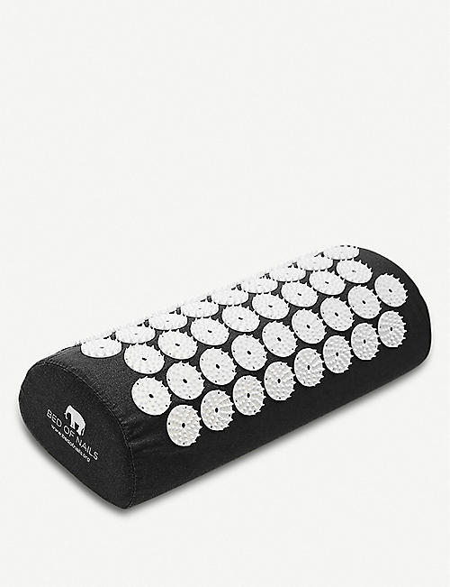 BED OF NAILS: Bon Acupressure Pillow