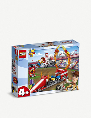 LEGO Juniors Duke Caboom's Stunt Show set