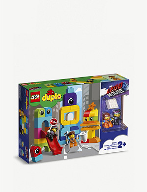 LEGO Emmet and Lucy's Visitors from the Duplo® Planet playset
