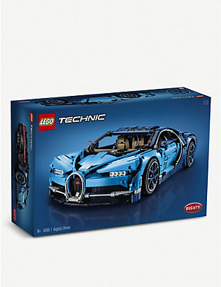 LEGO: Technic Bugati Chiron Supercar building set