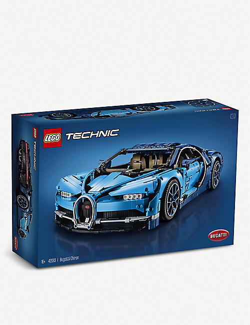 LEGO Technic Bugati Chiron Supercar building set