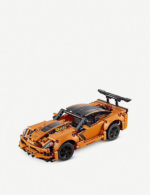 LEGO Technic Chevrolet Corvette ZR1 set