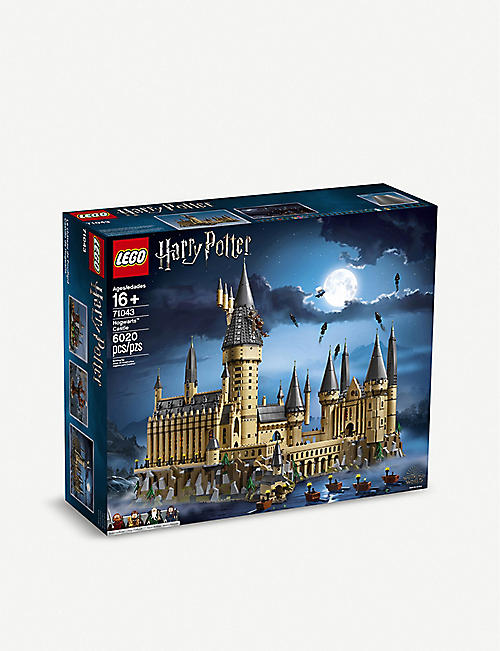 LEGO Hogwarts Castle play set