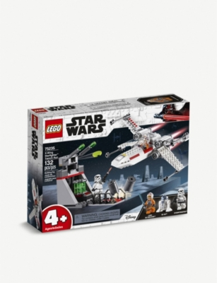 LEGO Star Wars™ X-Wing Starfighter Trench Run collectible set