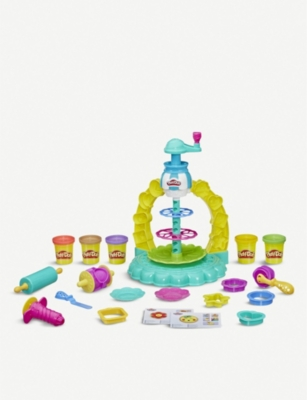 PLAYDOH Kitchen Creations the Sprinkle Cookie Surprise set
