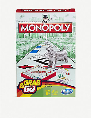 BOARD GAMES: Hasbro Gaming Monopoly Grab and Go board game
