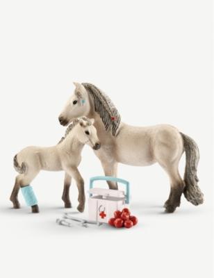 Schleich Horse Club Hannah S First Aid Kit Toy Selfridges Com