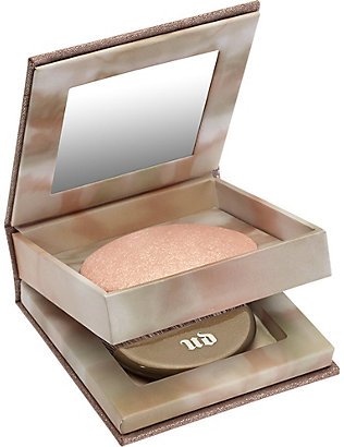 URBAN DECAY: Naked Illuminated powder in Aura