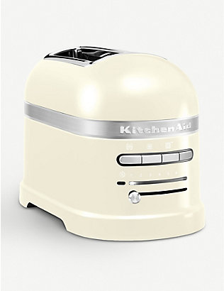 KITCHENAID: Almond Cream Artisan two-slot toaster