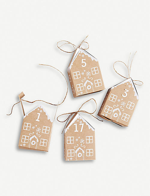 GINGER RAY Gingerbread house-shaped advent boxes 9cm