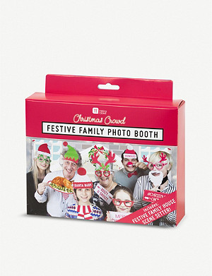 TALKING TABLES Festive family photo booth kit
