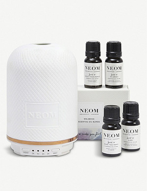 NEOM LUXURY ORGANICS Wellbeing pod essential oil diffuser and essential oils blends